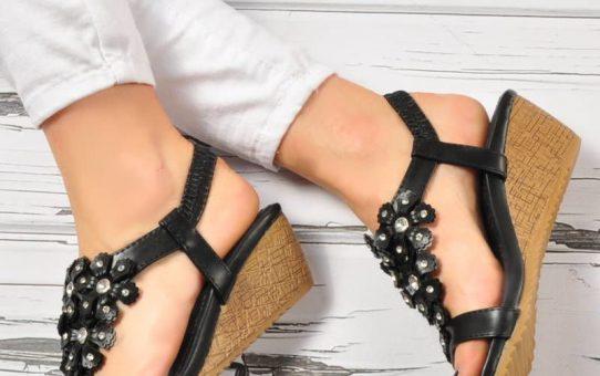 Wyjątkowo prezentujące się sandały